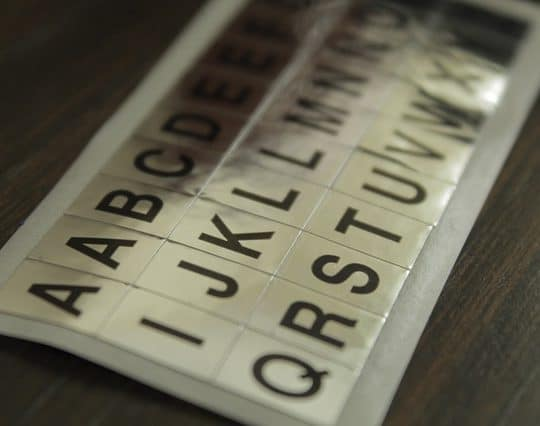 lettres autocollantes